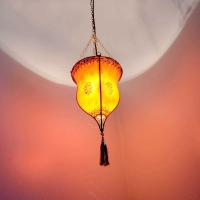 Henna-Deckenlampe aus Leder Pokal Orange H 60 cm
