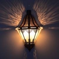 Orientalische Wandlampe aus Glas bal. 1